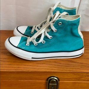 Girls converse high top sneaker